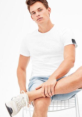 T-Shirt mit erhabenem Frontprint