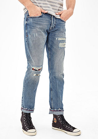 Close Slim: Destroyed Denim