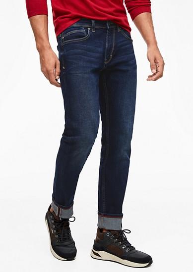 New slim fit: five-pocket jeans