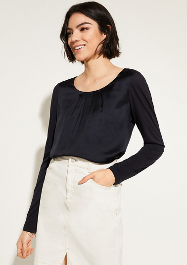 Long sleeve top with a satin front from comma