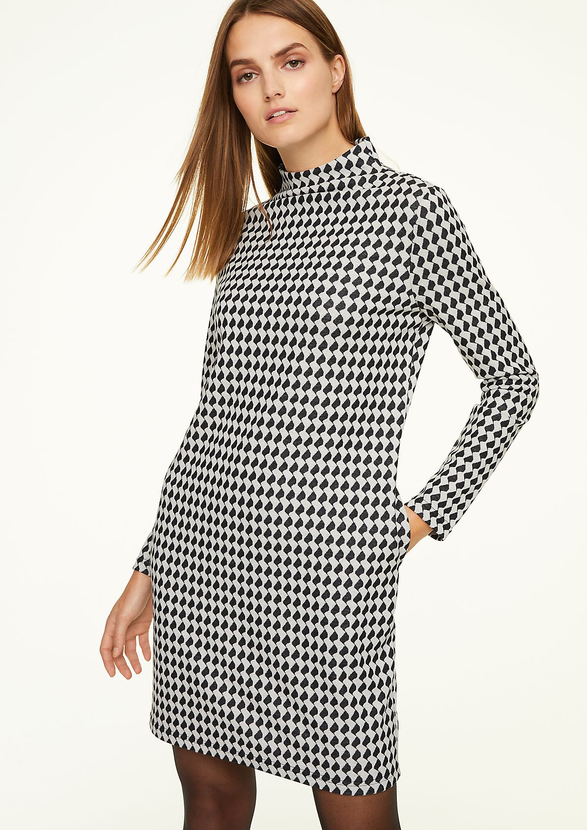 Kleid mit elegantem Stehkragen
