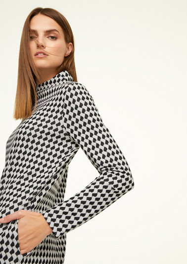 Dress with an elegant stand-up collar from comma