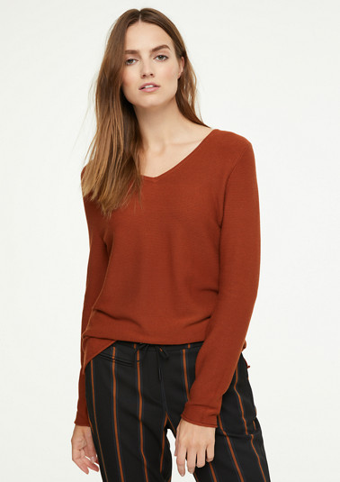 Fine knit V-neck jumper from comma