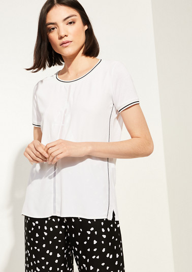 Fabric blend top with a chiffon insert from comma