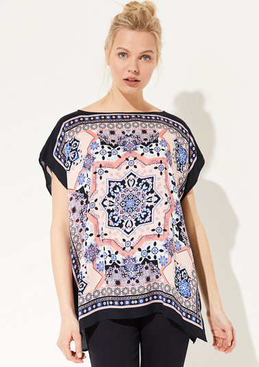Oversized Bluse mit Scarf-Print