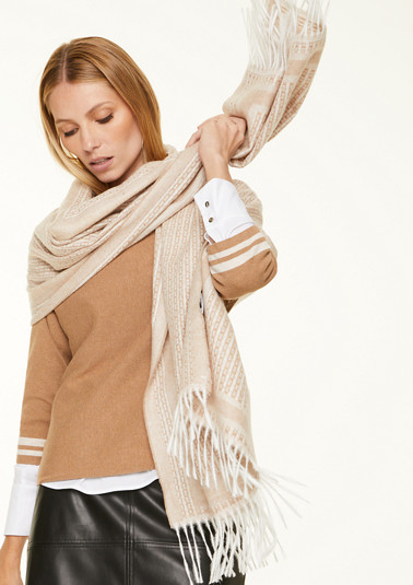 Soft woven scarf with fringing from comma