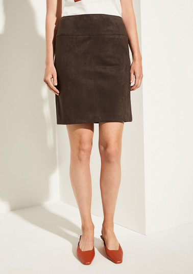 Pencil skirt in faux suede from comma