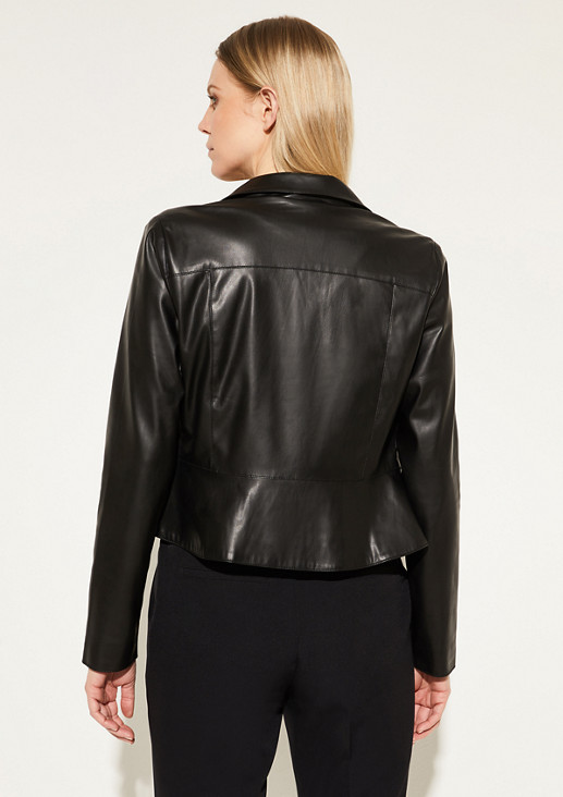 Kurze Jacke aus weichem Kunstleder