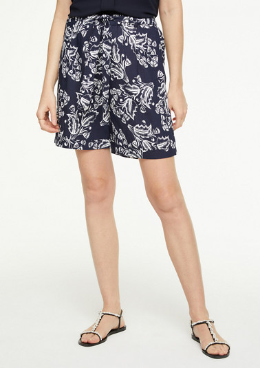 Lightweight shorts with a pattern from comma