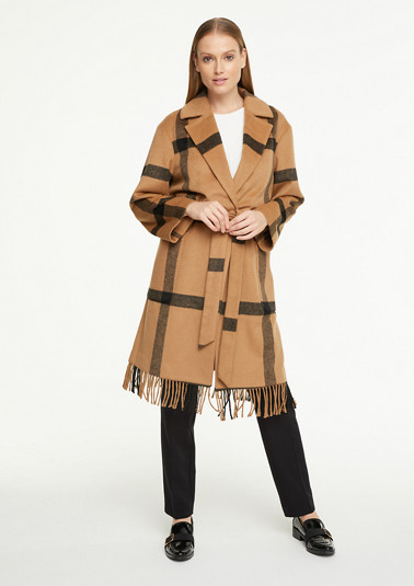 Coat with frayed details from comma
