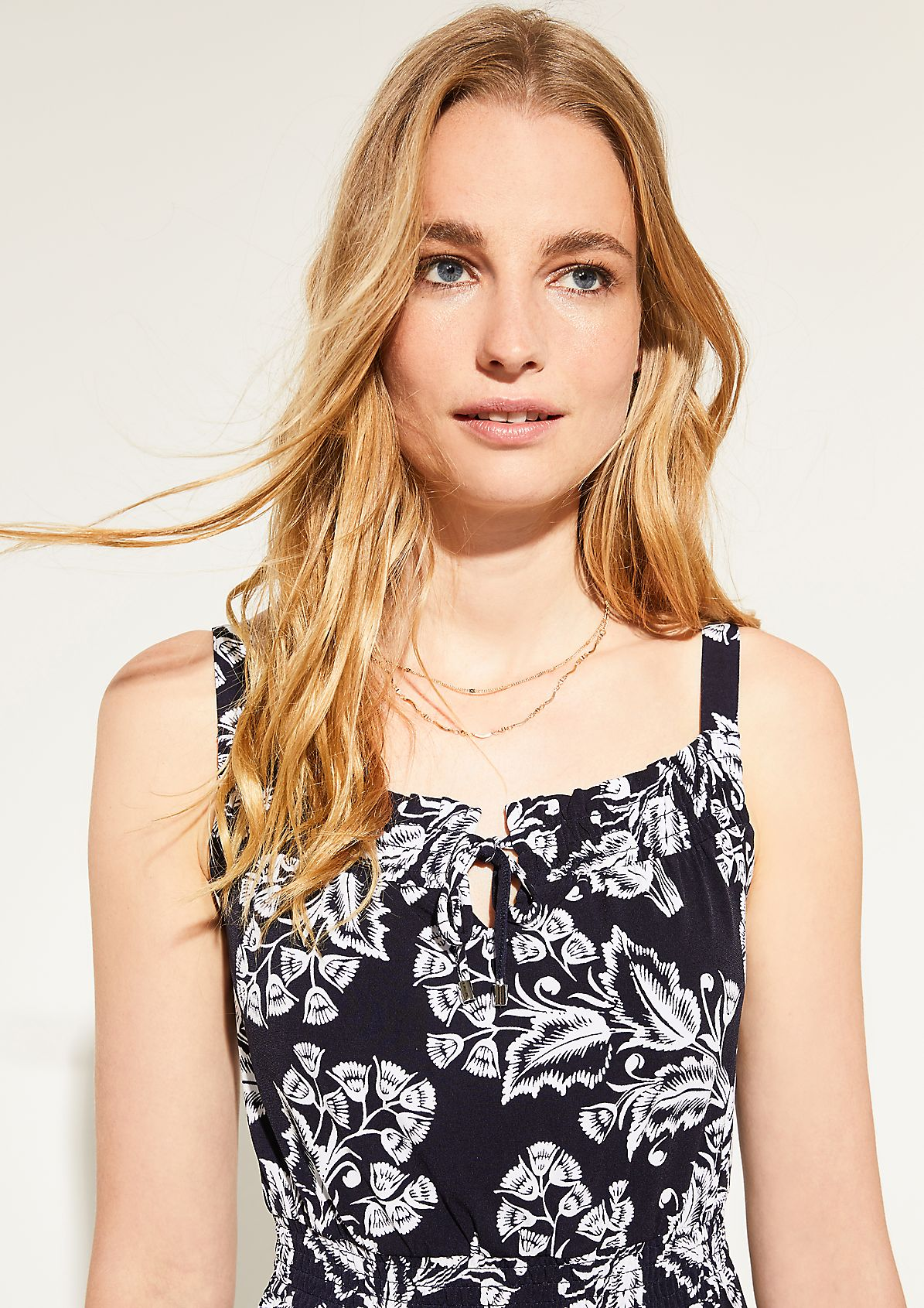 Dress with an all-over print from comma