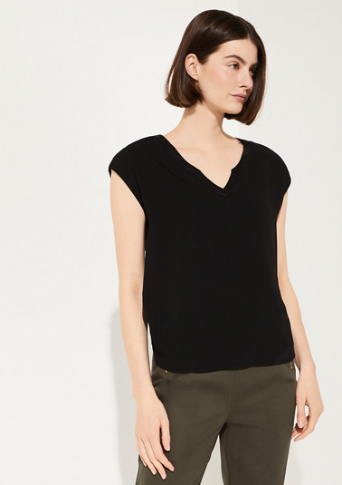 Top in a mix of materials with a satin trim from comma