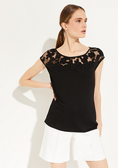 T-shirt with a lace shoulder yoke from comma
