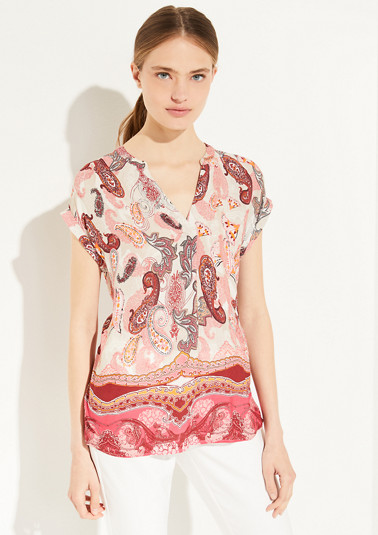 Short sleeve blouse with a V-neckline from comma