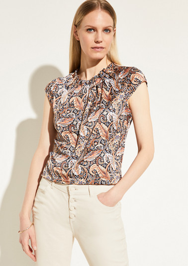 Blouse in shimmering satin from comma