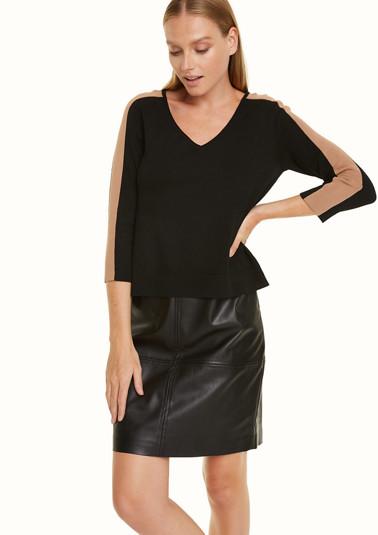 Kleid aus Lederimitat mit Pullover