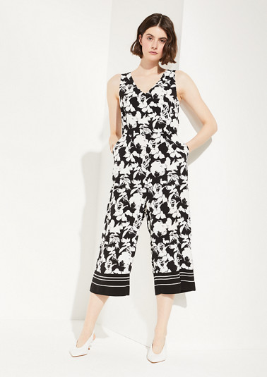 Jumpsuit with an all-over floral print from comma