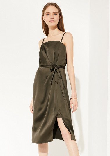 Elegant satin dress with draping from comma