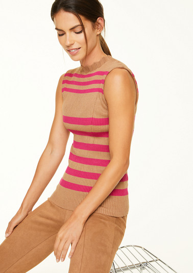 Ribbed top with a striped pattern from comma