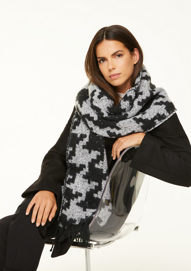 XXL scarf with a woven pattern from comma