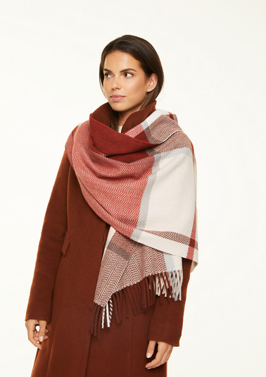 Soft scarf with a woven pattern from comma