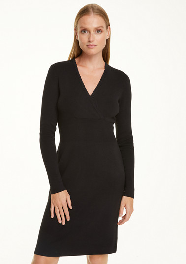 Knit dress with a cache coeur neckline from comma