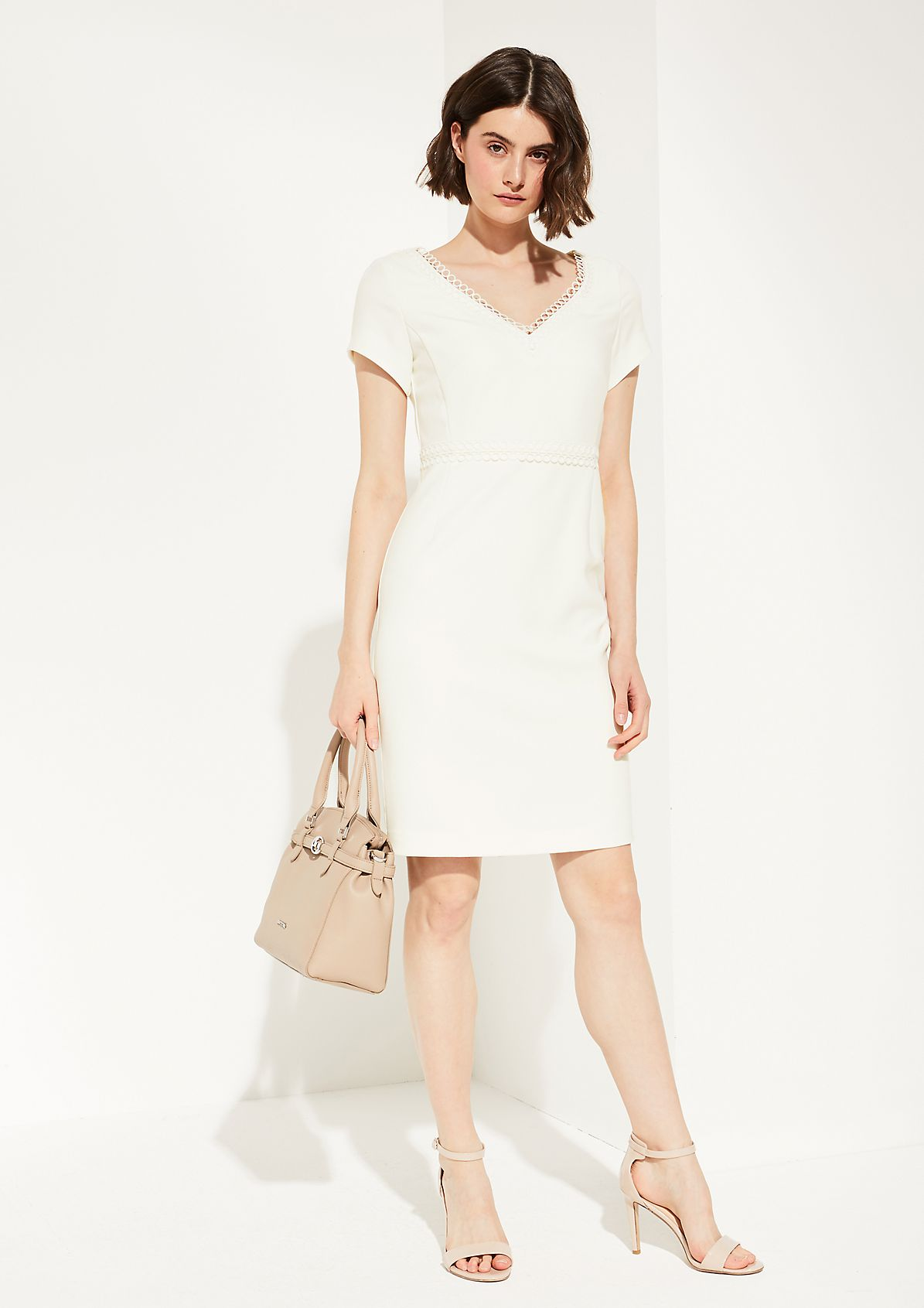 Feminine dress with lace from comma