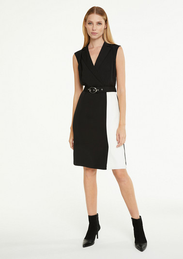 Contrasting dress with a belt from comma