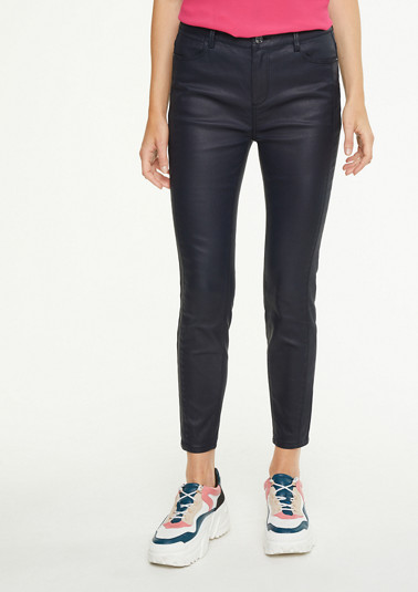 Coated stretch jeans in a slim fit from comma