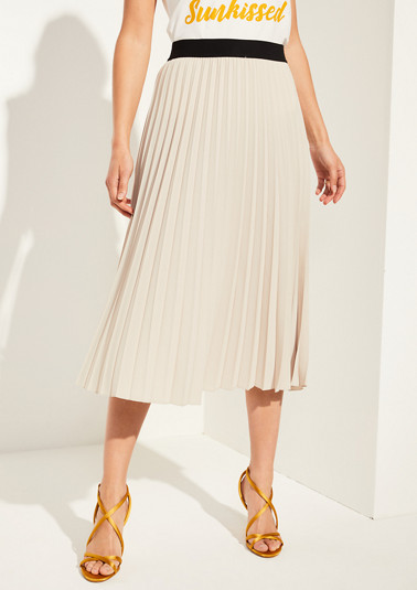 Skirt with plissé pleats from comma