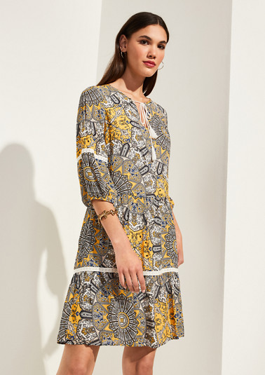 Dress with a colourful all-over print from comma