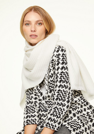 Scarf with textured pattern from comma