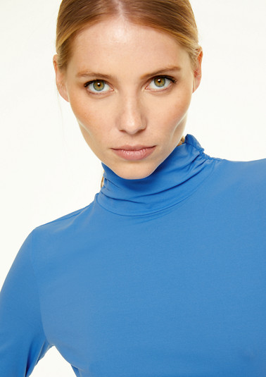 Jersey top with a turtleneck collar from comma
