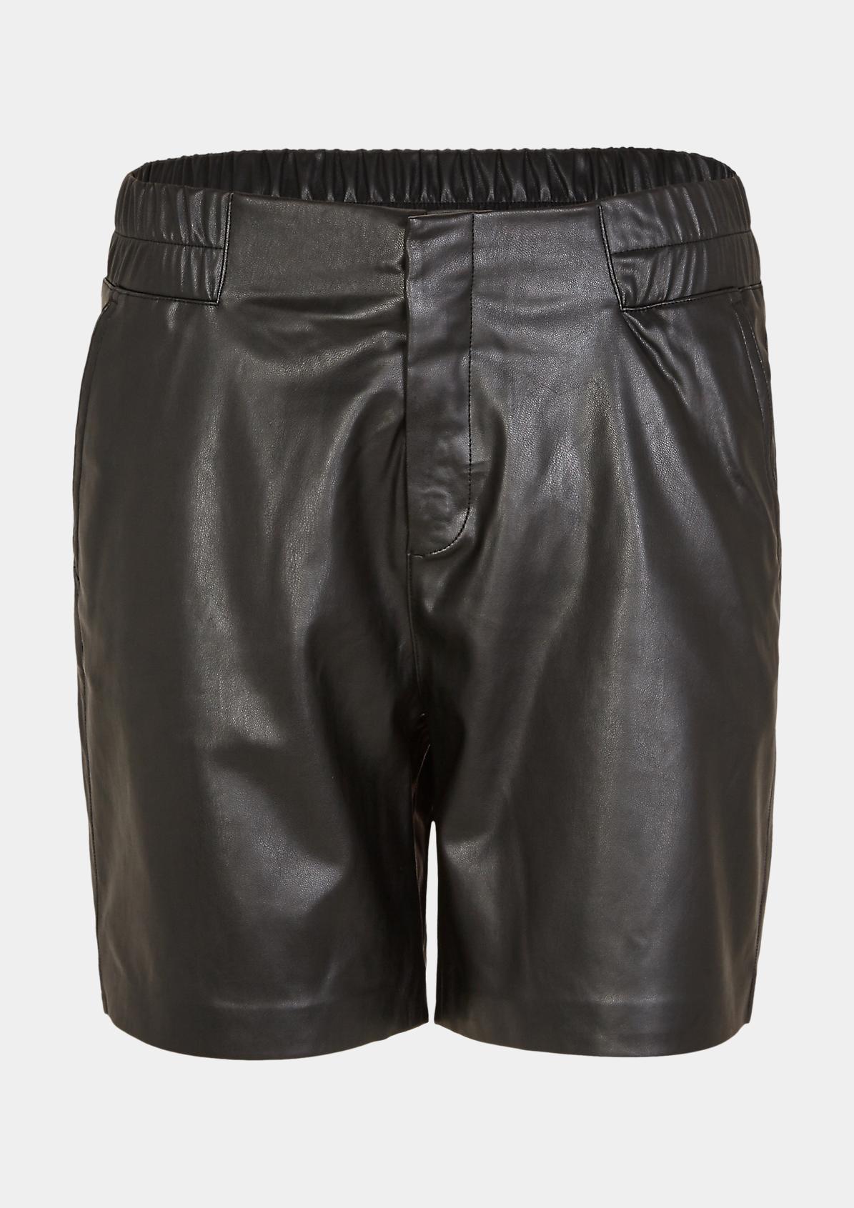 Shorts in Leder-Optik