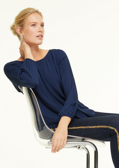 Blouse with pleats from comma