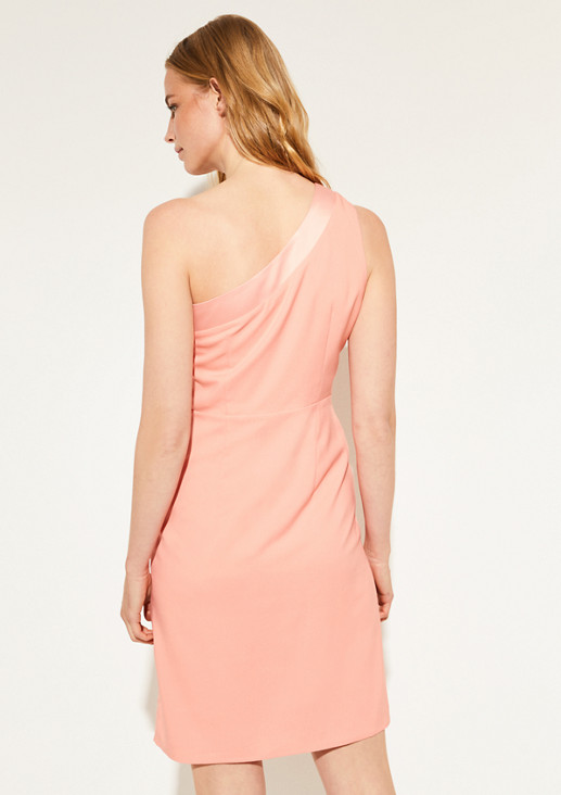 Fitted dress with a flounce from comma