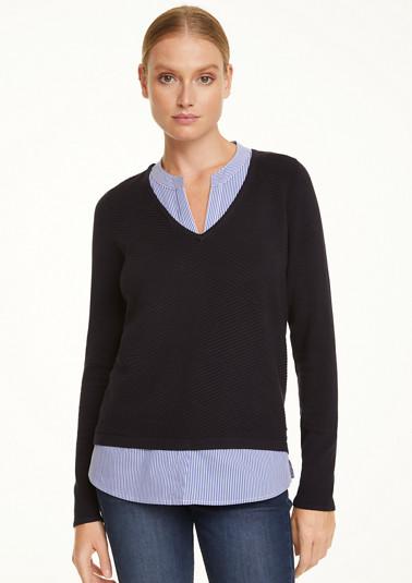 V-Pullover mit Lagen-Element