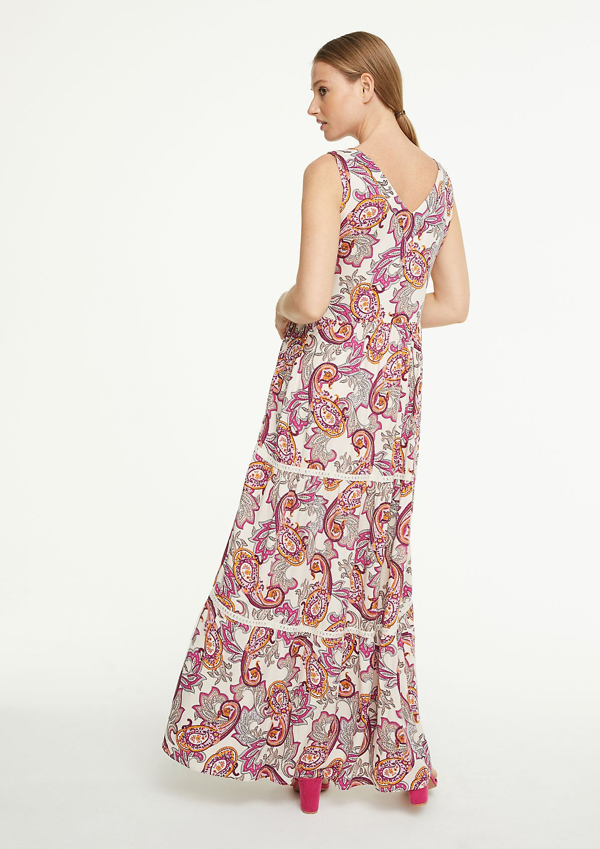 Long boho dress with a paisley pattern from comma