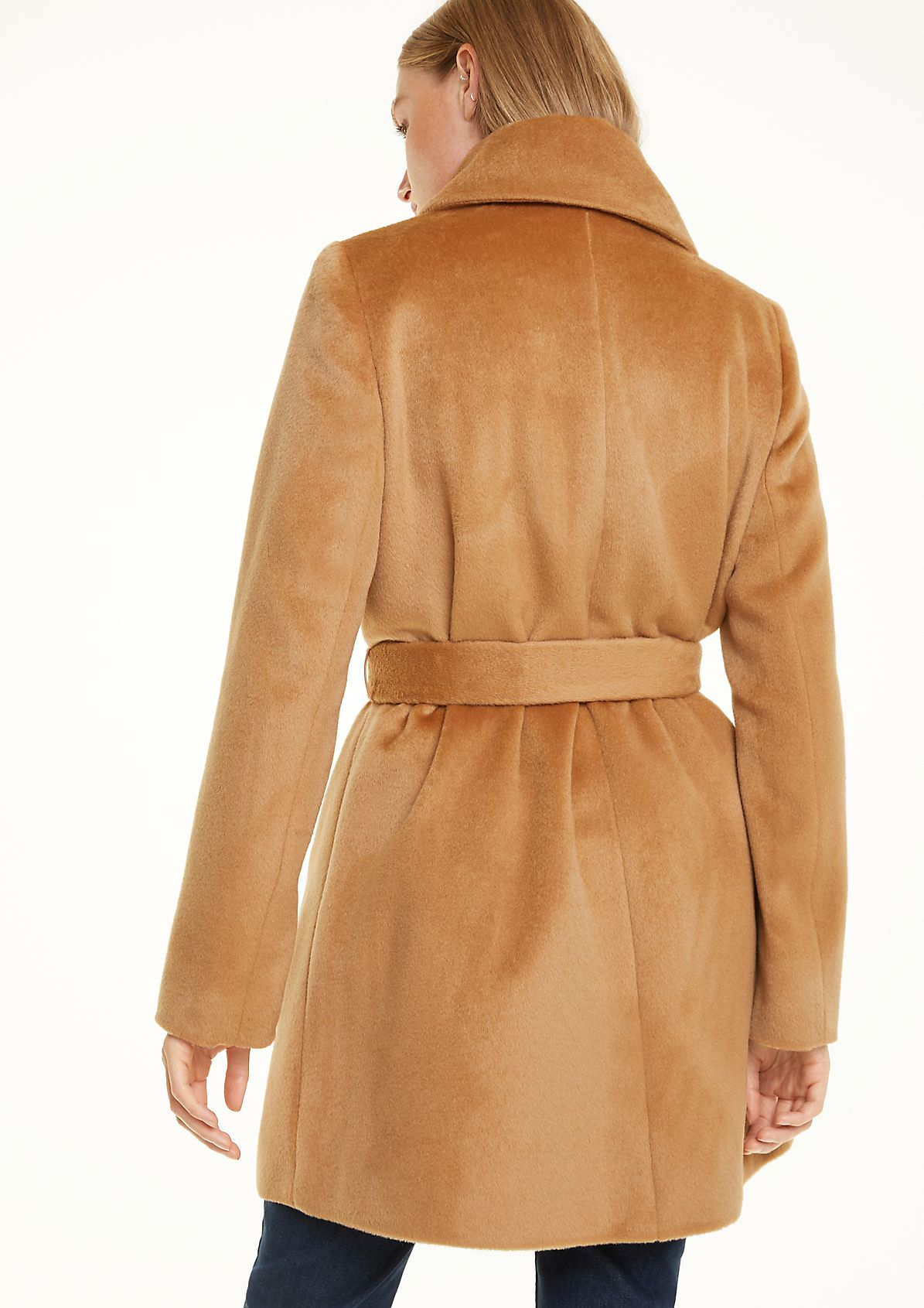Wool-silk blend coat from comma