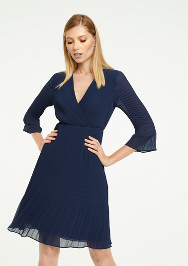 Zartes Kleid mit Plissees