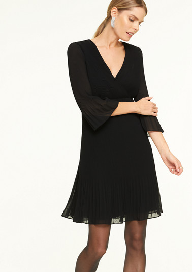 Delicate dress with plissé pleats from comma