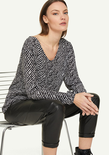 Loose-fitting blouse with elasticated strips from comma