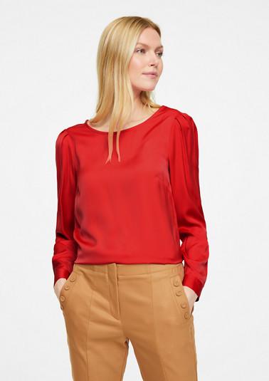 Bluse mit gerafften Schultern