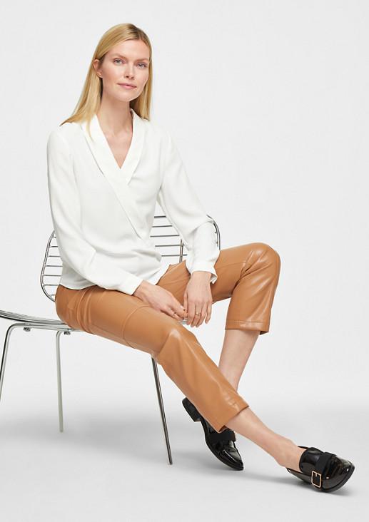 Elegante Bluse mit Schalkragen