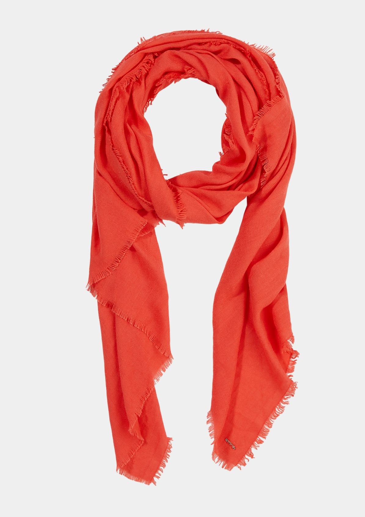 Scarf with a fringed hem from comma