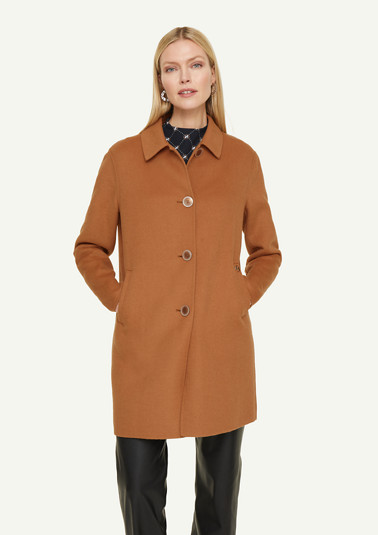 Coat in a high-quality wool blend from comma