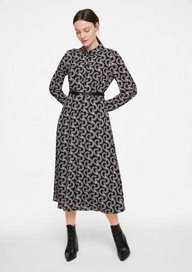 Tailliertes Kleid mit Print