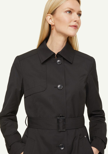 Sporty trench coat with a belt from comma
