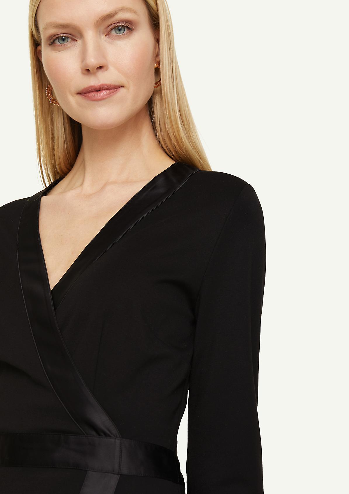 Jerseykleid mit Satin-Details