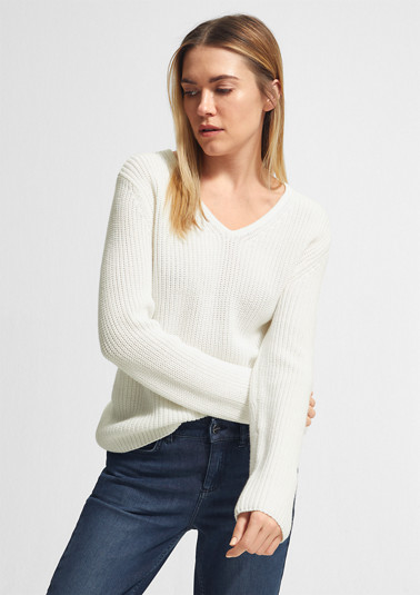 Cotton jumper with a V-neckline from comma